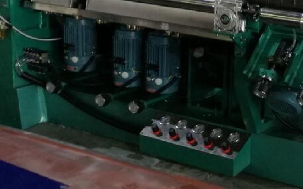 двигатели станка для стекла